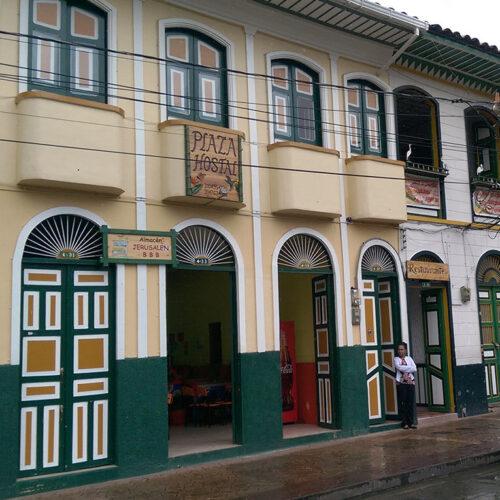 Plaza Hostal - Pijao Trail